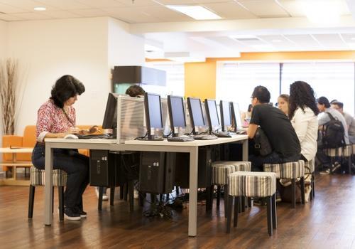 Sala de ordenadores EC Vancouver