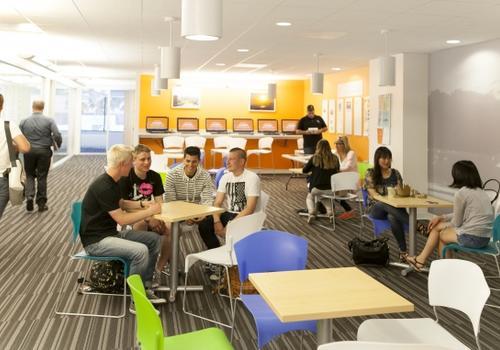 Sala de estar de estudiantes EC LA